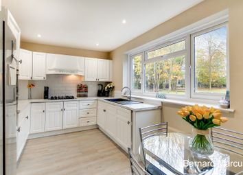 3 bed property for sale in Strathdon Drive, London SW17