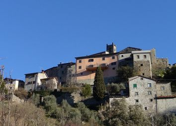 Thumbnail 5 bed town house for sale in Cocciglia, Bagni di Lucca, Tuscany, Italy
