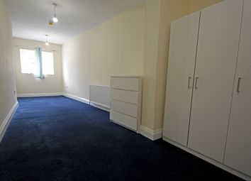 Thumbnail Room to rent in Oak Avenue, Heston