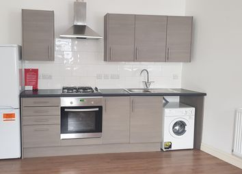 Thumbnail 1 bed flat to rent in Frogmore Road, Southsea