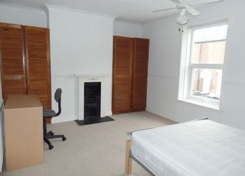 Thumbnail 3 bedroom terraced house to rent in Newland Street West, Lincoln