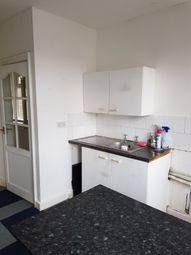 Thumbnail 3 bed flat to rent in Brook Lane, Kings Heath