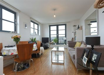 Thumbnail 2 bedroom flat for sale in Zenith Building, 590 Commercial Road, Limehouse, London, UK