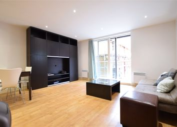 Thumbnail 1 bed flat to rent in Projection West, Merchants Place, Reading, Berkshire
