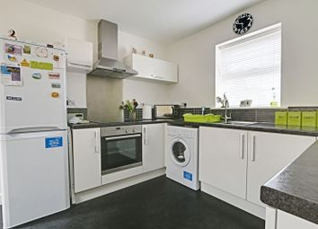 Thumbnail 2 bed flat for sale in Jensen Mews, Hull