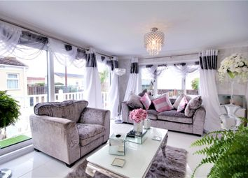 1 bed property for sale in Meadowlands, Addlestone, Surrey KT15