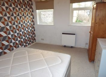 Thumbnail 1 bed flat to rent in Richmond Dale, Clifton, Bristol