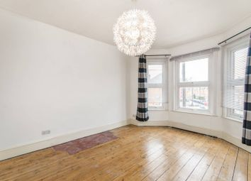Thumbnail 5 bed flat to rent in Temple Road, Cricklewood, London