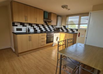 Thumbnail 3 bed flat to rent in 3 Bedroom Flat - Markhouse Road, Walthamstow