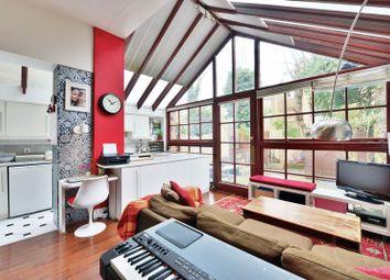 Thumbnail 3 bedroom flat for sale in Milton Avenue, Highgate, London