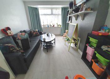 2 bed maisonette to rent in Methuen Close, Edgware HA8