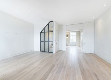 Thumbnail 3 bed flat to rent in Gloucester Walk, London