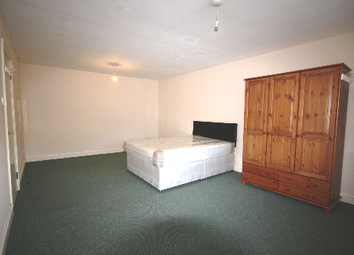 Thumbnail 2 bed flat to rent in Lewisham Way, Lewisham