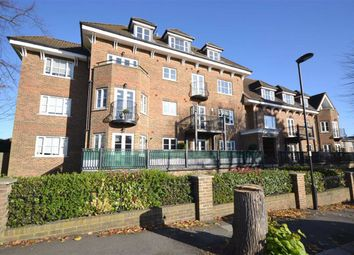 Thumbnail 2 bed flat to rent in Bycullah Road, Enfield, Middlesex