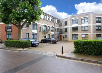 Thumbnail 2 bed flat to rent in Corner Hall, Hemel Hempstead