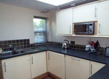 Thumbnail 2 bed property to rent in Aldworth Road, London