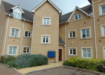 2 bed flat to rent in Walnut Close, Basildon SS15