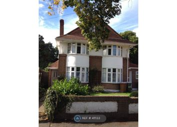 Thumbnail Room to rent in Manor Green Road, Epsom