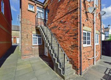 Thumbnail 1 bed flat to rent in Malling Road, Snodland