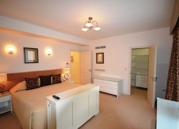 Thumbnail 3 bed flat to rent in Arlington House, Green Park