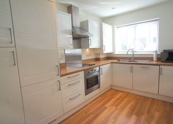 Thumbnail 2 bed property to rent in Chingford
