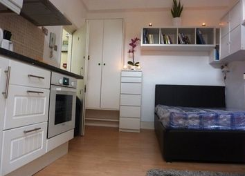 Room to rent in Raddington Road, London W10