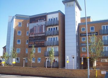 Thumbnail 1 bed flat to rent in Tuns Lane, Slough