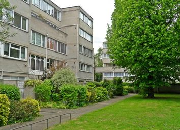 Thumbnail 2 bed flat to rent in Ward Royal, Windsor