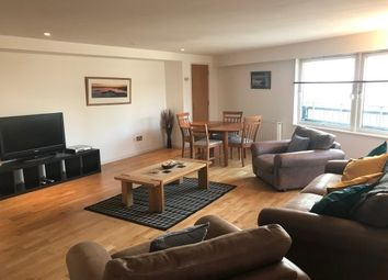 Thumbnail 2 bed flat to rent in 12 High Street, Glasgow