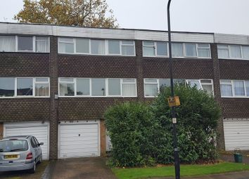 Thumbnail 4 bed town house to rent in Heronsforde, London