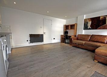 Thumbnail Studio to rent in Westbrook Road, Heston
