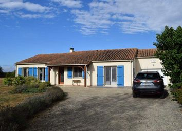 Thumbnail 3 bed country house for sale in 79190 Sauzé-Vaussais, France