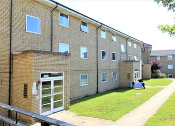 Thumbnail Room to rent in Flat, Kingfisher Heights, Hogg Lane, Grays