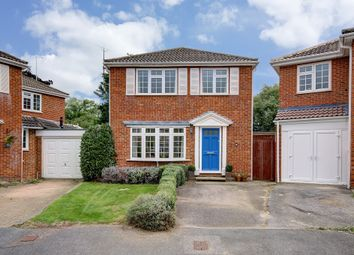 Thumbnail 3 bed detached house for sale in Summerfield Close, Wokingham