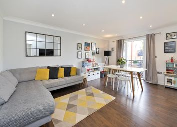 Essex Road, Islington N1. 2 bed flat