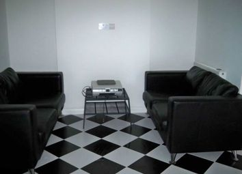 Thumbnail Room to rent in Peterborough Avenue, High Wycombe