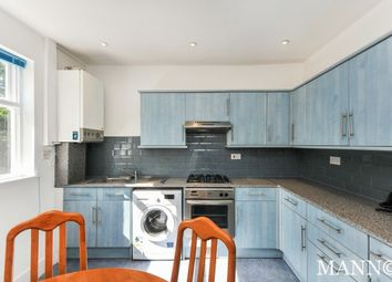2 bed flat to rent in Overcliff Road, London SE13