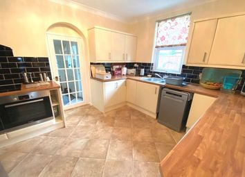 Thumbnail 5 bed property to rent in Queens Road, Wisbech