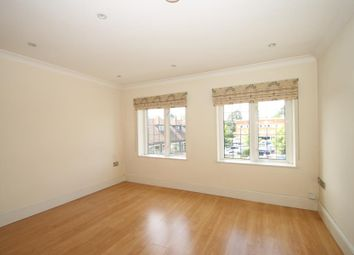 Thumbnail Flat to rent in Old Woking Road, West Byfleet