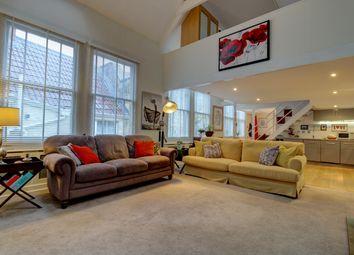 Silver Street, Bradford-On-Avon BA15. 2 bed maisonette for sale
