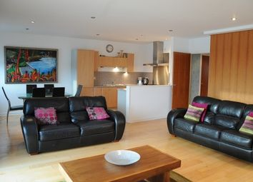 2 bed flat to rent in 312 Meadowside Quay Walk, Glasgow G11