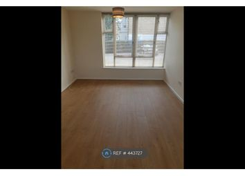Thumbnail 1 bed flat to rent in Grimsby Grove, London
