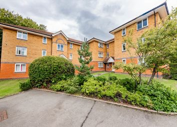 Masefield Gardens, Crowthorne RG45. 2 bed flat