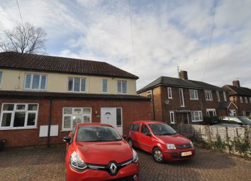 2 bed flat to rent in Common Rise, Hitchin SG4
