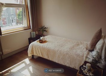 Thumbnail Room to rent in Vernon Road, Ilford