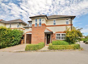 Cartbridge Close, Send, Woking GU23. 3 bed detached house