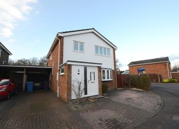 Thumbnail 4 bedroom detached house to rent in Globe Farm Lane, Blackwater, Camberley