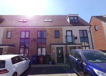 3 bed property to rent in Iveston Avenue, Newcastle Upon Tyne NE13