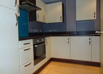 Thumbnail 3 bed flat to rent in Seven Sisters Road, Finsbury Park