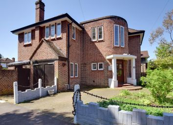Thumbnail 4 bed detached house to rent in Cavendish Drive, Edgware